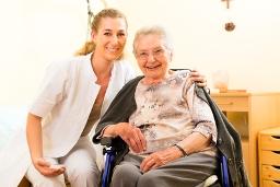 Altenpfleger | Freiberuflich | Selbständig | Sozialversicherung | Befreiung Rentenversicherung | Rentenversicherungspflicht | ambulante Pflege | stationäre Pflege